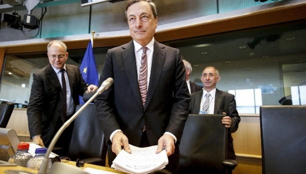 Cambi: euro in rialzo a 1,1266 dollari