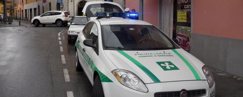 Investito da un furgone Ciclista grave a Colognola