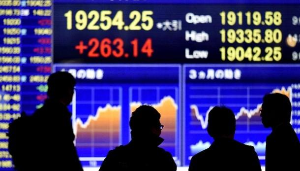 Oro: sale a 1.187,25 dollari in Asia