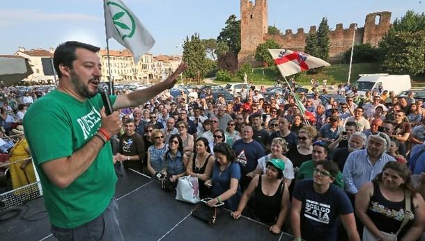Salvini,su migranti francesi fanno bene
