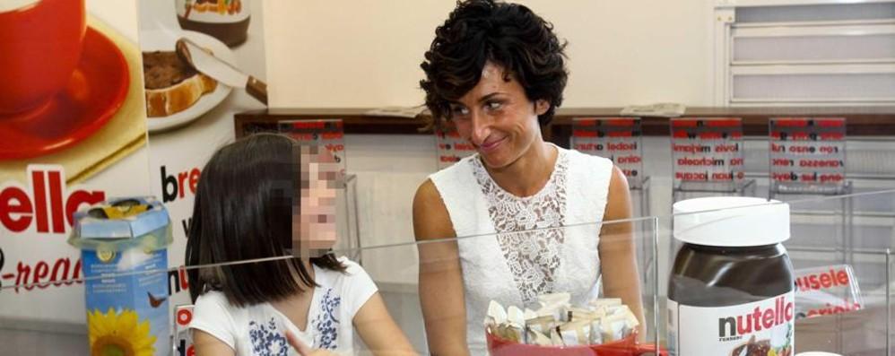 Nutella, la Royal chiede scusa E la signora Renzi si fa una crepe