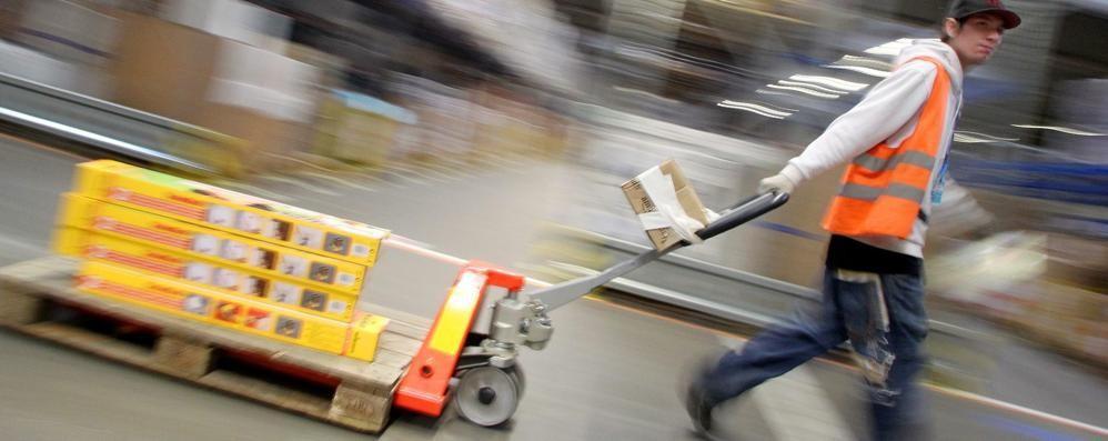 Chi consegna il pacco di Amazon? Potrebbe essere chiunque di noi...