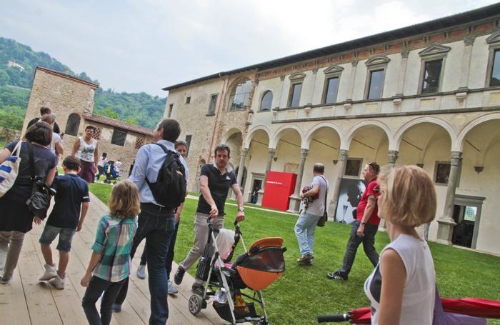 Bergamo Astino, visitatori al complesso monastico