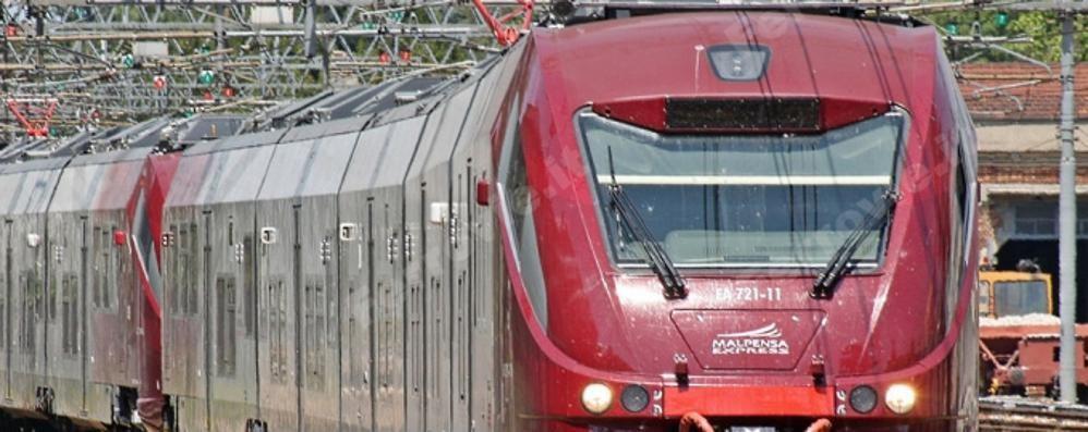 Treni nuovi, i pendolari critici «Se poco capienti sono inutili»