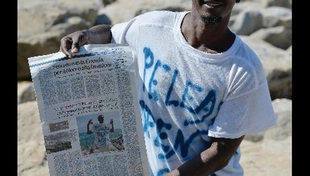 'Fermate la strage', migranti in piazza