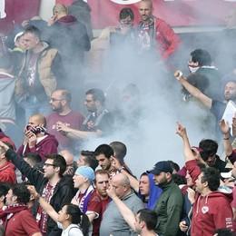 Bomba al Torino, lettera dei genitori  «Diciamo no alla delinquenza negli stadi»