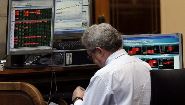 Borsa: Parigi apre in netto calo -3,8%