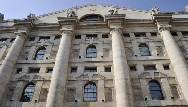 Borsa:Milano apre in forte calo (-1,98%)