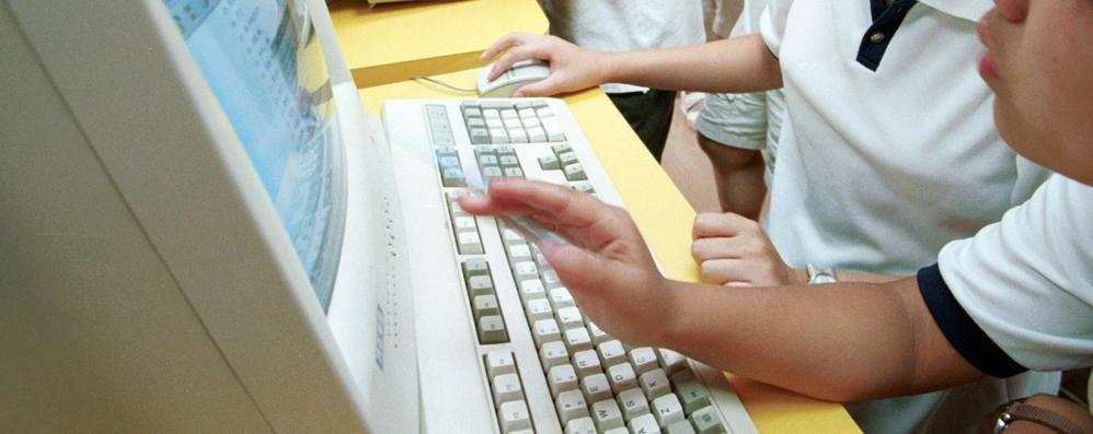 Shopping online, come stare tranquilli? La Polizia Postale prepara un decalogo