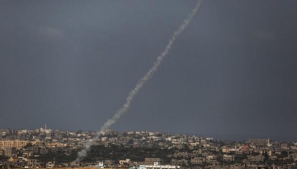 Raid israeliani a Gaza dopo lancio razzi