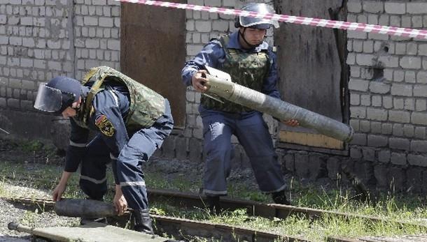 Ucraina: ribelli, 15 morti in raid