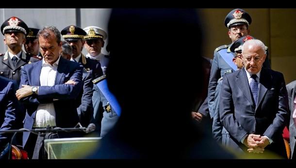 De Luca: Fi, commissario o Colle parli