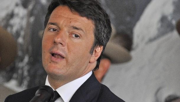Grecia, Renzi: Italia fuori linea fuoco