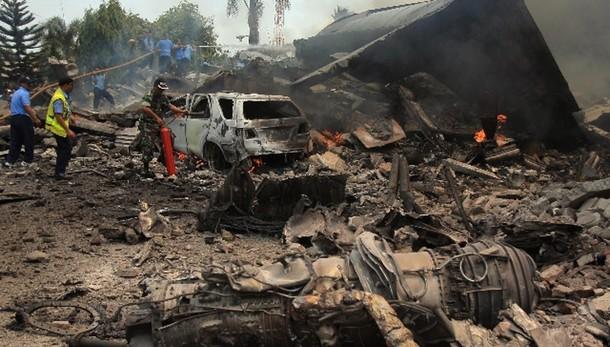 Indonesia: almeno 113 morti in incidente