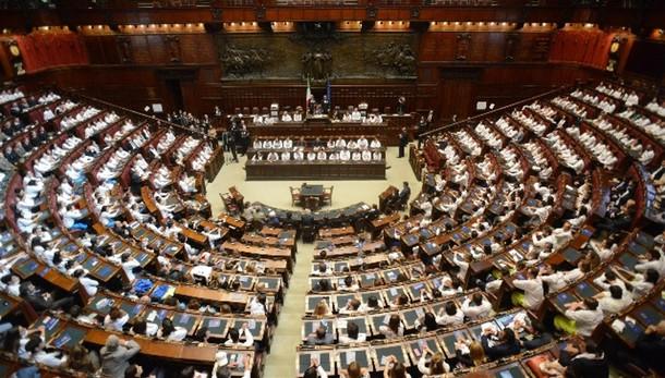 Boldrini, serve legge su lobby