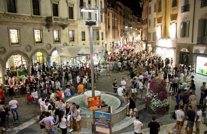Movida a Bergamo: largo Rezzara