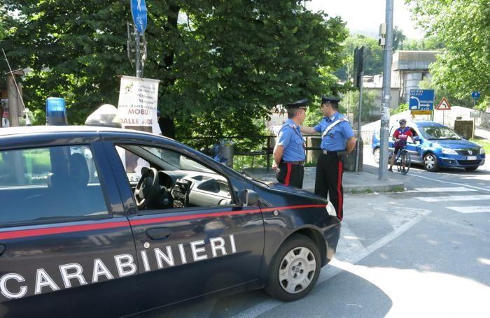 Carabinieri sul luogo dell'omicidio
