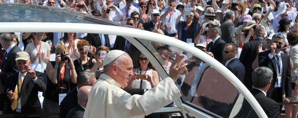 Il Papa a Sarajevo: «Pellegrino di pace È indispensabile l'uguaglianza di tutti»