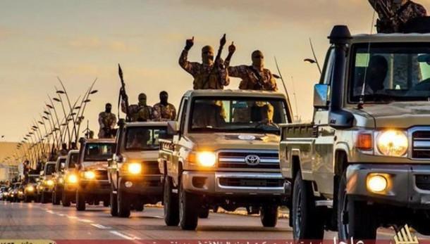Libia: Isis avanza a ovest di Sirte