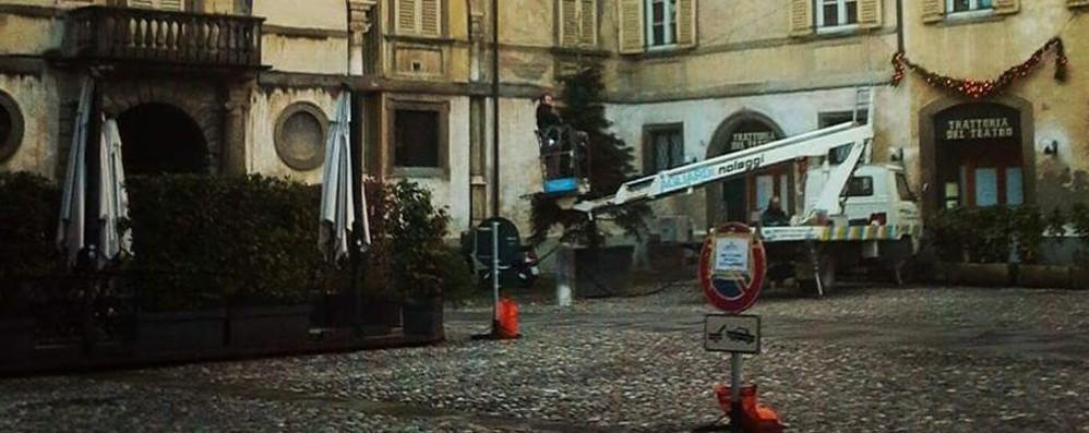«Più sicurezza in piazza Mascheroni» Dopo lo sfratto alle auto, nuovi dehors