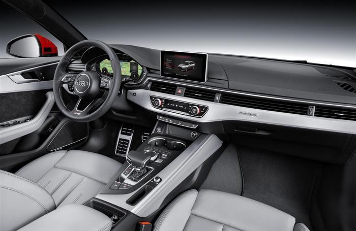 L'interno dell'Audi A4