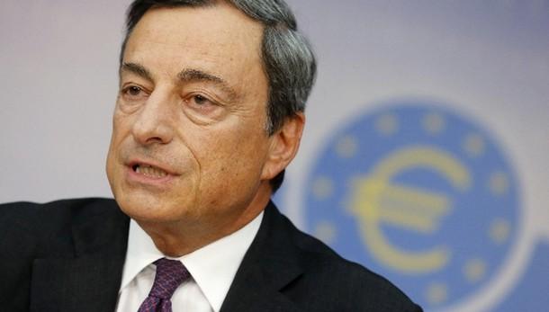 Cambi: euro in rialzo sopra 1,11 dollari