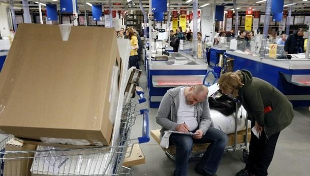 Ikea:azienda,domani punti vendita aperti