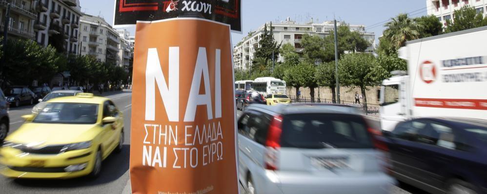 Case in Grecia, boom di richieste Dall'Italia + 194%: effetto referendum
