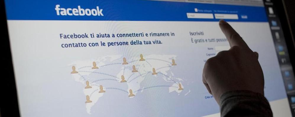 Facebook,  nuovo algoritmo Ora puoi scegliere i post più importanti