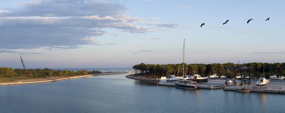 Il fascino di Porto degli Argonauti Marina-Resort immerso nella natura