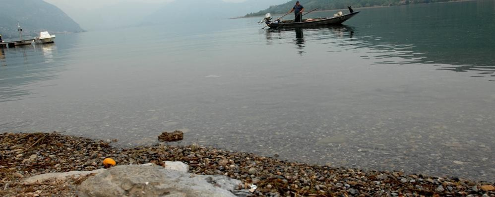 Il lago ha perso 6 centimetri in 24 ore Ne mancano 15:  e sarà come nel 2003