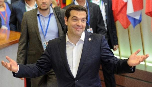 M5s, Grecia mandi a casa Tsipras