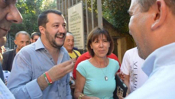 Riforme: Salvini, Renzi coinvolga tutti