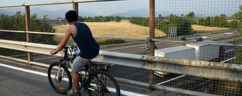 Ciclabile Bergamo-Azzano pericolosa Ma Autostrade non spiega il perché?