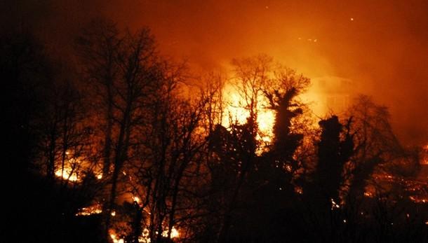 Forestale, ieri spenti 60 incendi