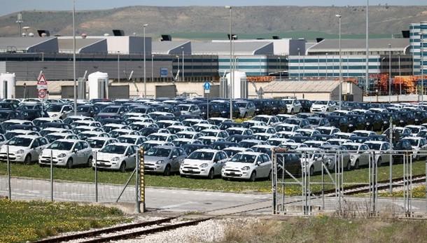 Mercato auto Europa +14,8%, boom di Fca