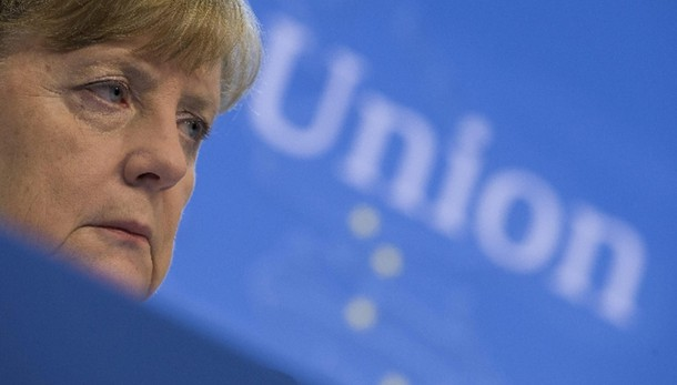 Merkel fa piangere giovane palestinese