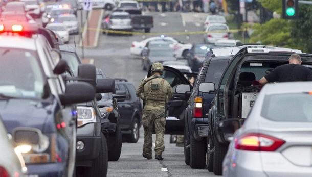 Spari basi Tennessee, uccisi 4 marines