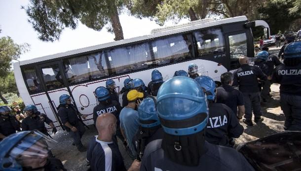 FdI, scontri colpa Alfano-Renzi-Marino