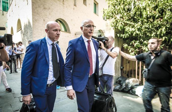 I legali di Bossetti alla fine dell'udienza
