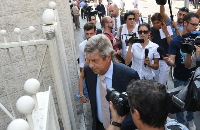 L'arrivo dell'avvocato Andrea Pezzotta, legale della famiglia Gambirasio