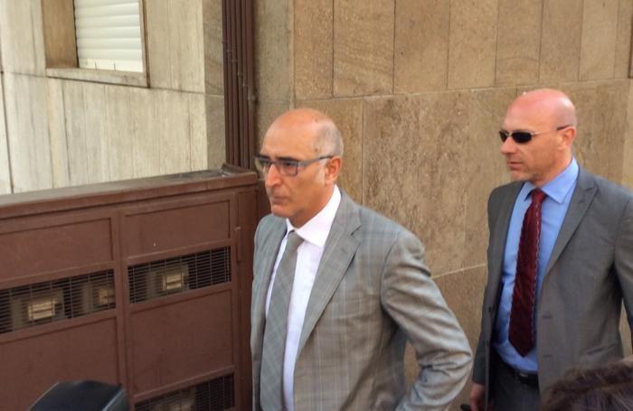 L'avvocato Claudio Salvagni entra in Tribunale
