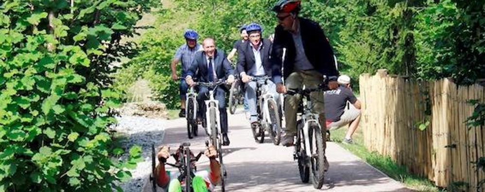 Castione, aperta la nuova ciclovia «Ora avanti per un unico percorso green»
