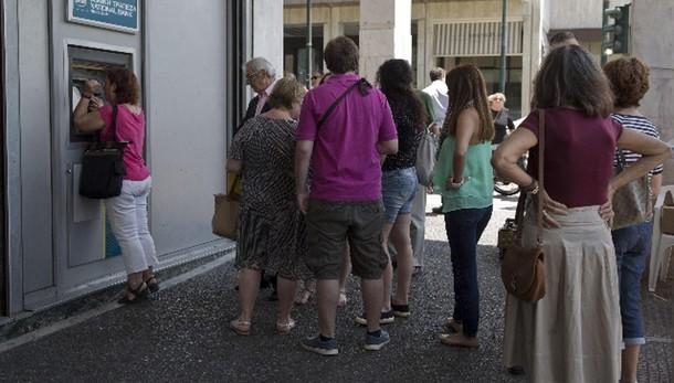 Grecia: banche aperte lunedì, tetto cash