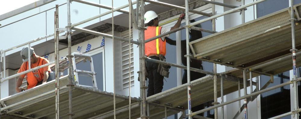 «Sui ponteggi a lavorare fino a 66 anni In cantiere si rischia con la legge Fornero»