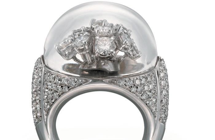 Un anello Curnis