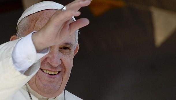 Papa: Gesù non guarda come un sociologo
