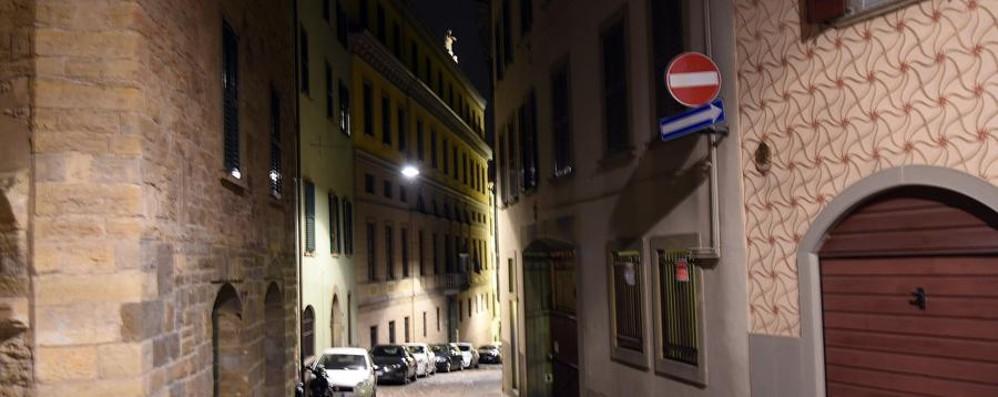 84enne aggredita in casa da rapinatore Legata e malmenata in Sant'Alessandro