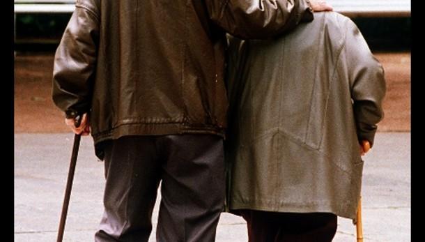 Pensioni: Spi, stop 14/a per 70-80mila