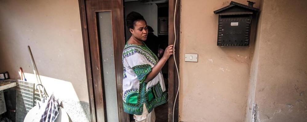 Stezzano: rinviato di un giorno sfratto di una mamma incinta di due gemelli